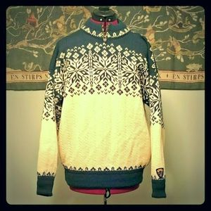 Super toasty Dale of Norway sport sweater